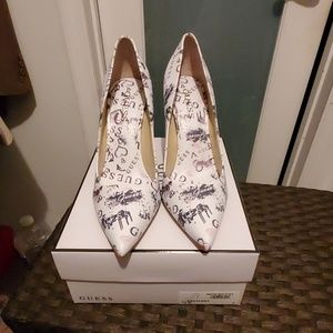 Guess Graffiti Pumps